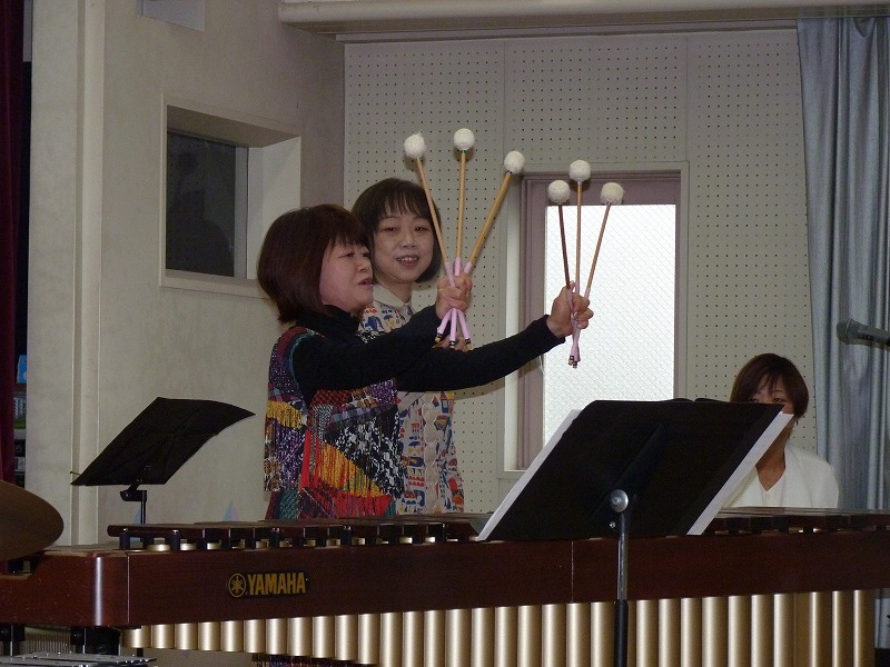 12月19日 ミニコンサートがありました。