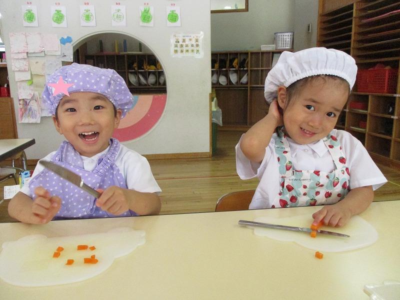 7月13日(金) 子どもクッキングで夏野菜カレーを作って食べました。